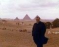 1976. Febrero, 10. RC durante una visita a Egipto.jpg