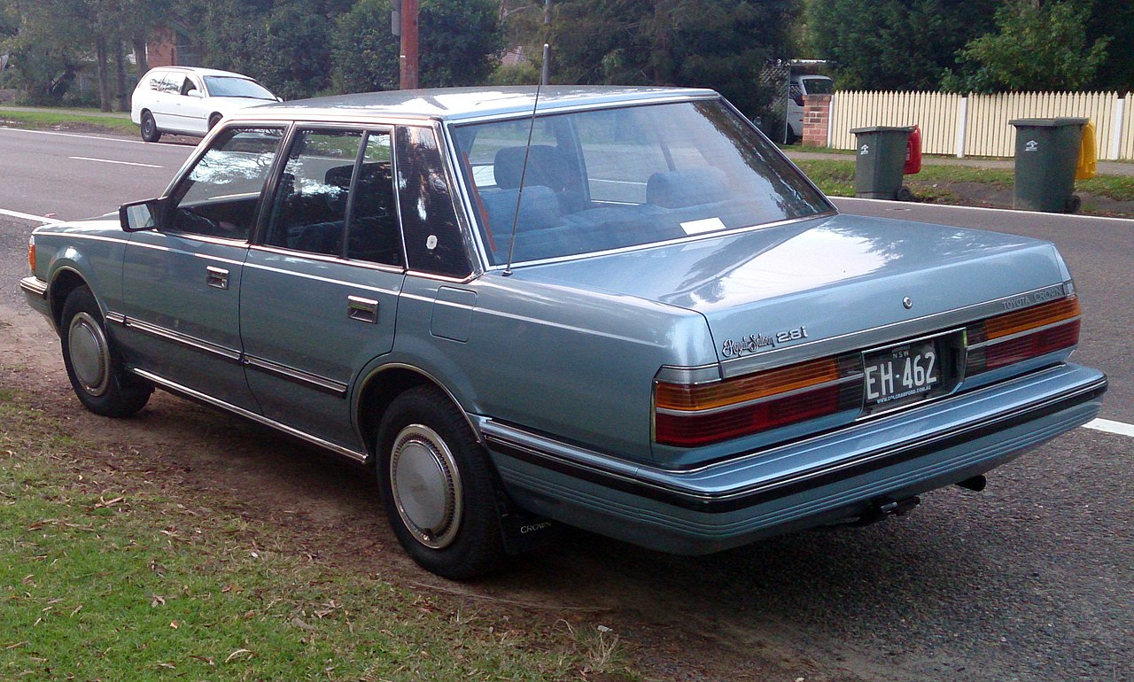 File:1984 Toyota Crown Royal Saloon 2.8i, rear left (Aus ...