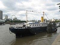 20040918-027-thames-ship.jpg