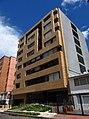 2018 Bogotá El Virrey edificio carrera 16 con calle 85.jpg
