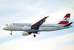 235bw - Austrian Airlines Airbus A320-214, OE-LBU@LHR,15.05.2003 - Flickr - Aero Icarus.jpg