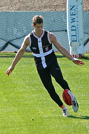 Nick Dal Santo - Dal Santo at training prior to the 2009 AFL Grand Final