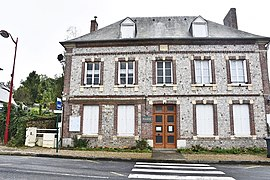 The town hall in Bec-de-Mortagne