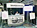 APS Wikipedia booth - Piotrus by Sage.jpg