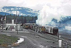 A Strange Steam Engine in Portola - 2 Photos (26733443444).jpg
