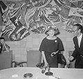 Aankomst van de zangeres Maria Meneghini Callas op Schiphol Maria Callas tijden, Bestanddeelnr 910-5057.jpg