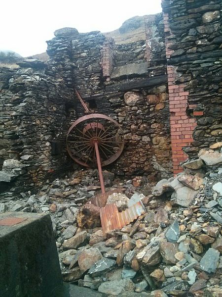 File:Abandoned mine, Coniston copper mines 7.jpg
