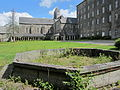Abbaye Blanche de Mortain - Grand bassin.JPG