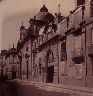 Pentemont Abbey - Pentemont Abbey from Rue de Grenelle in 1898 by Eugène Atget