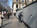 Abgesprerrter Place de la Sorbonne 18 Maerz 2006.JPG