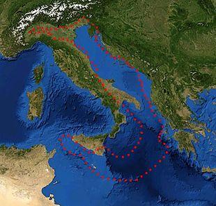 Margini della placca adriatrica - Il limite occidentale della placca adriatica, sopra la quale si estende il bacino adriatico, si sposta attualmente di circa 40 mm all'anno verso est, sotto la spinta dalla placca euroasiatica, comportando un graduale restringimento del Mare Adriatico