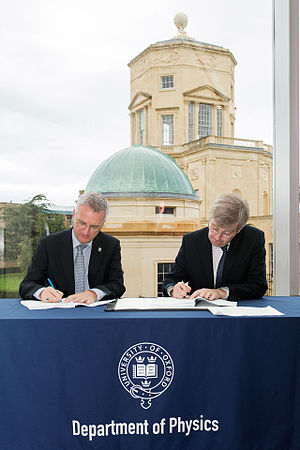 UK Astronomy Technology Centre - Image: Agreement signed to build HARMONI spectrograph for the E ELT