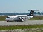 Aircraft IMGP0409 Avro RJ100 HB-IYV (24952515912).jpg