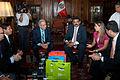 Alcalde Mami visita parlamento peruano (6881639046).jpg