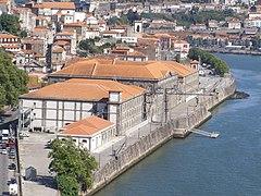 Alfândega do Porto vista do Palácio.jpg