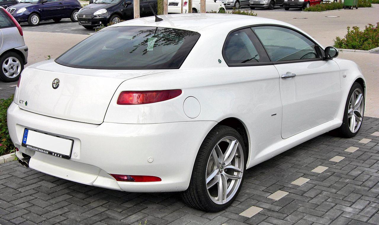 1280px-Alfa_GT_20090801_rear.JPG