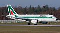 Alitalia Airbus A319 EI-IME (7721051670).jpg