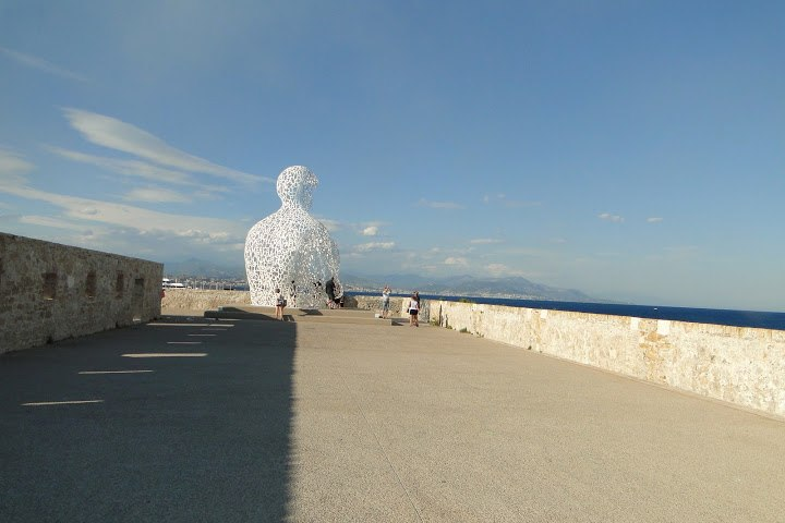Antibes, modern sculpture