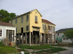 Broadmoor, New Orleans - House in Broadmoor being raised up above the levels of the post-Katrina flooding