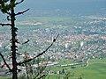 Ausblick vom Albtraufgängerweg beim Hörnle 956 m ü. NN Richtung Balingen - panoramio.jpg