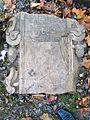 Aushub per Bagger 1m Alter St. Nikolai-Friedhof Nikolaikapelle Hannover, 40b04c zerbrochener Grabstein, Fragment Ilsa Margaret... Anno ... um 1654....jpg