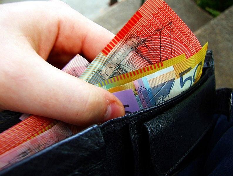 File:Australian banknotes in wallet.jpg