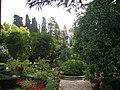 Aventino s Maria del Priorato nel giardino 1050411.JPG