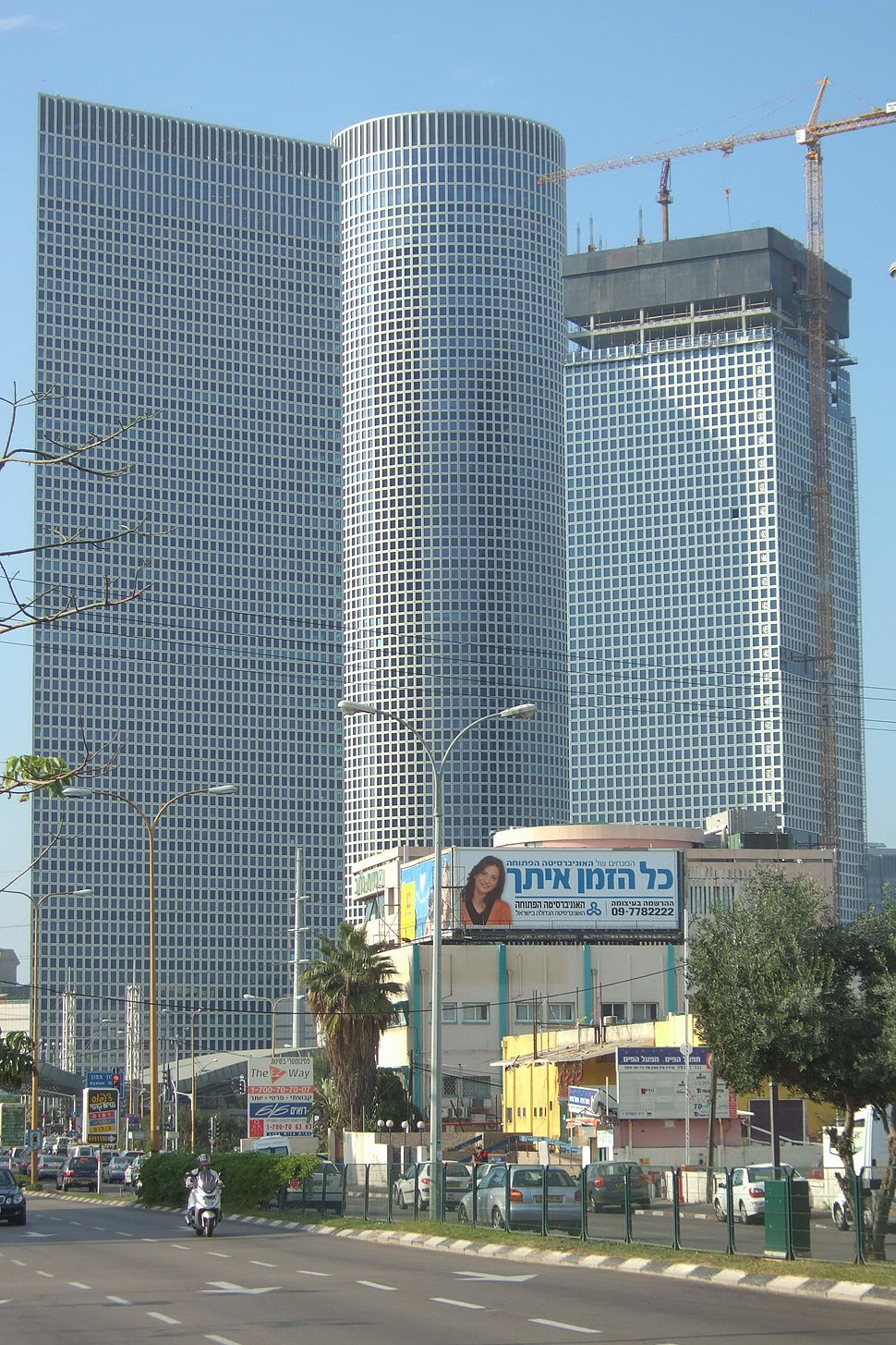 Azrieli 3towers unfinished
