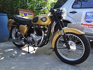 BSA Golden Flash 650ccm 1950.jpg