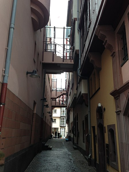 File:Beco do Rapunzel - Romer - Frankfurt, Alemanha - panoramio.jpg