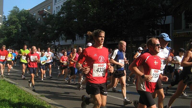 Berlin marathon das gruppenbild.JPG