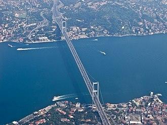 Largest metropolitan areas of the Middle East - Image: Boğaziçi Köprüsü Aerial view