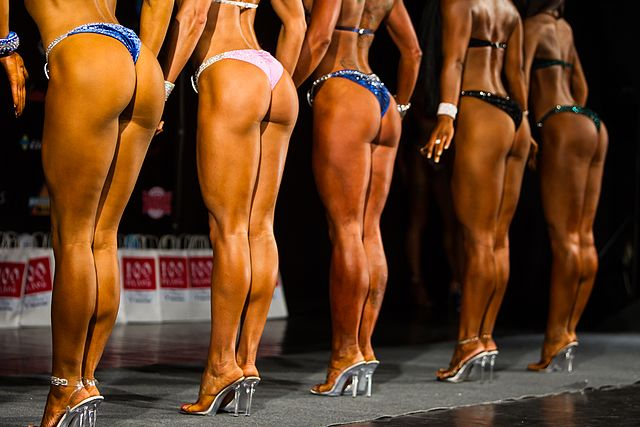Bodybuilding and fitness bikini open tournament in Kaliningrad (2016-10-16) 11.jpg