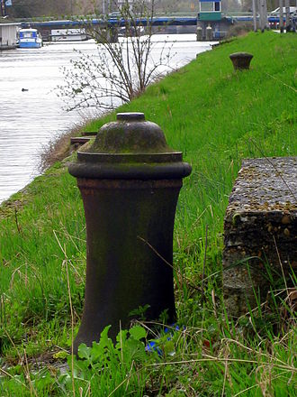 Bollard - Merwede-Canal, Utrecht, Netherlands features bollards made from cannons