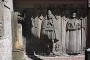 Bolesławiec Kościół Matki Bożej Różańcowej Zespół epitafiów pastorów 06.JPG
