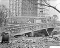 Bouw voetbrug aan de voet van de Euromast te Rotterdam, Bestanddeelnr 910-9998.jpg