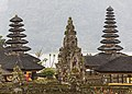 Brantan Bali Pura-Ulun-Danu-Bratan-02.jpg