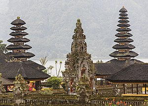 Meru tower - Two meru towers of different height in Pura Ulun Danu in Bratan. The structure at the center of the photograph is a kori agung gateway.