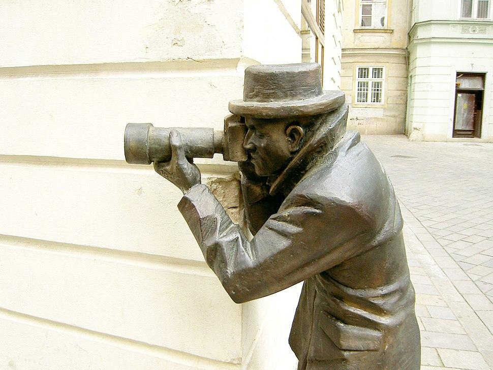 Bratislava Bronze Paparazzo