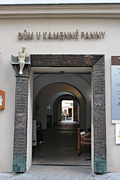 File:Brno Orlí, U kamenné panny.jpg
