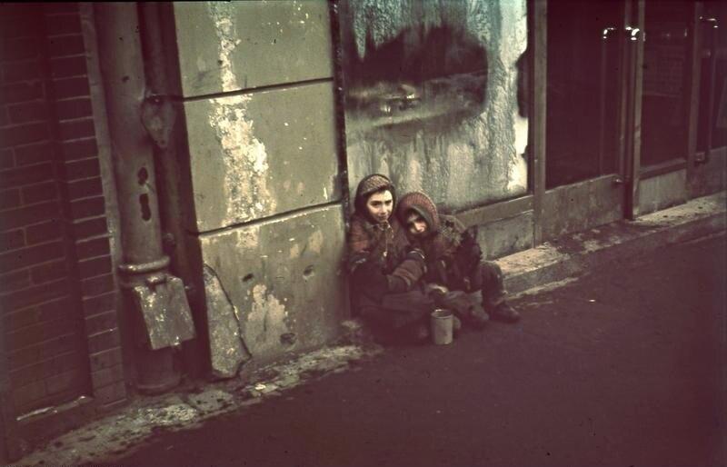 Bundesarchiv N 1576 Bild-003, Warschau, Bettelnde Kinder