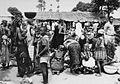 COLLECTIE TROPENMUSEUM Bororo vrouwen verhandelen hun veeteelt produkten op de markt van Garoua Boulai TMnr 20012972.jpg