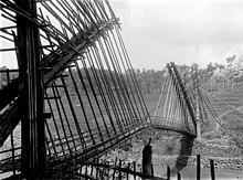 Ponte di bambù sul fiume Serayu, Giava, Indonesia (ca. 1910-1940).
