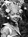 COLLECTIE TROPENMUSEUM Portret van een Balinese danseres TMnr 10005054.jpg
