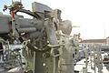 """Cañón Mk.22 de 76 mm (3""""-50) visto desde estribor (16626749025).jpg"""