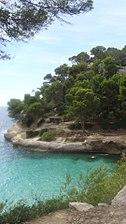 Cala Mitjana en Menorca.jpg