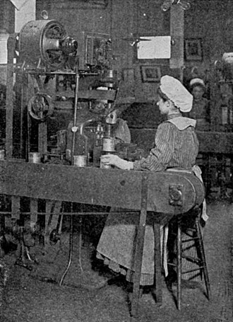Employment contract in English law - A can factory worker in 1909