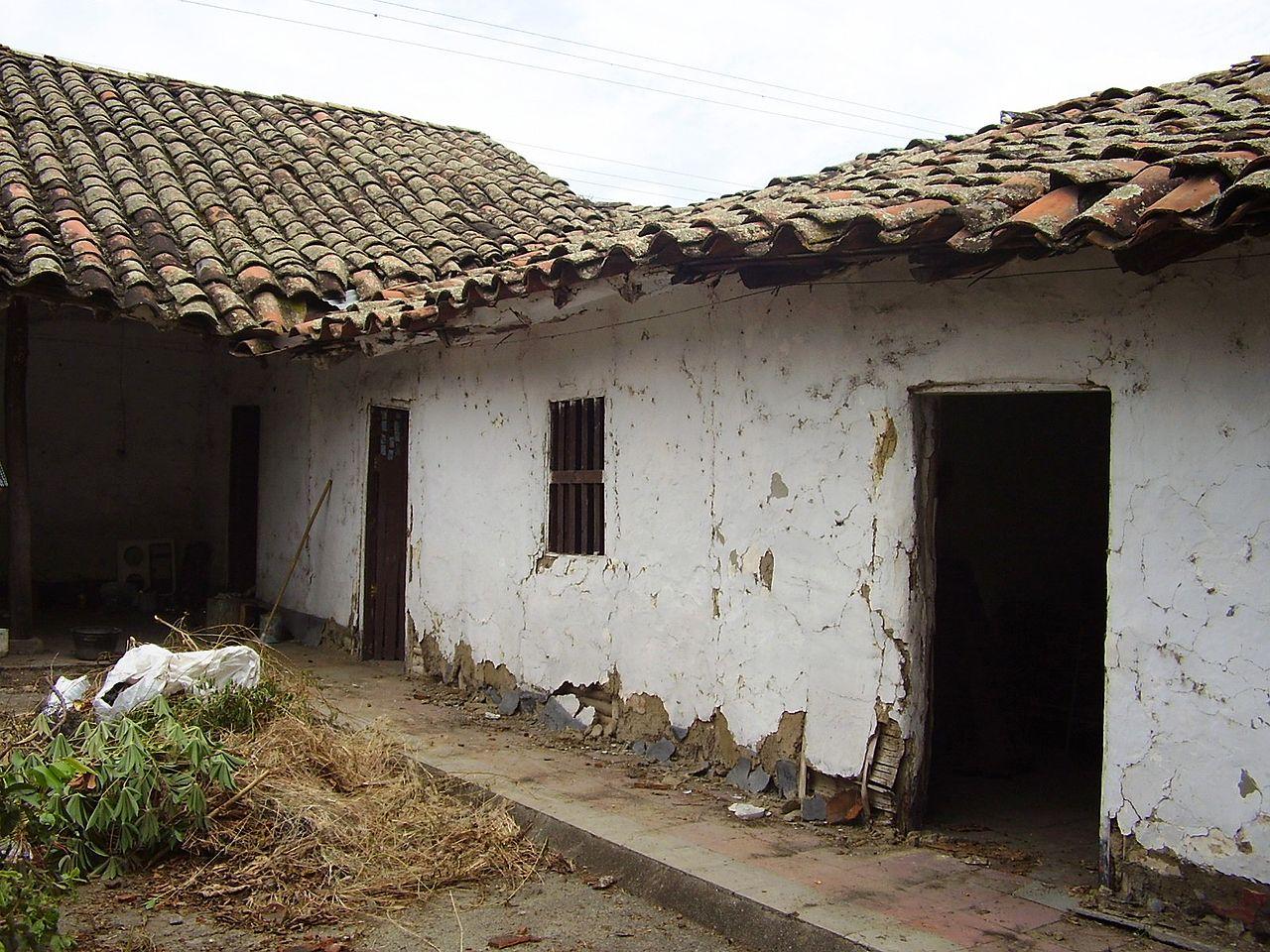 File casa colonial en bahareque manzana 074 el cerrito for Buscar vivienda