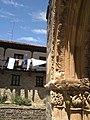 Casas y capiteles portada en Piasca.jpg