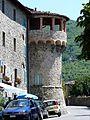Castiglione di Garfagnana-mura e torri18.jpg